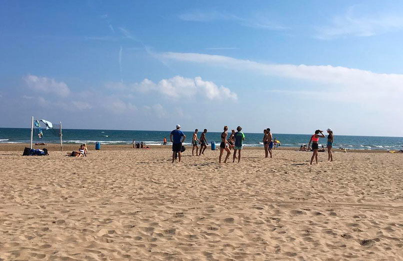La-Malvarrosa-beach-valencia-experiences-and-gateways-3