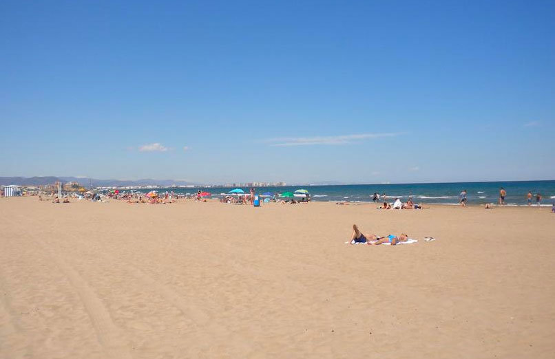La-Malvarrosa-beach-valencia-experiences-and-gateways-6