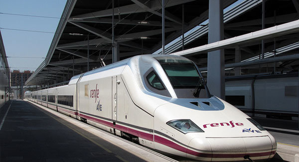 Train-station-Valencia-experiences-and-gateways