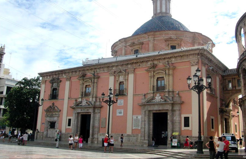 basilica-virgen-de-los-desamparados-Valencia-experiences-and-gateways