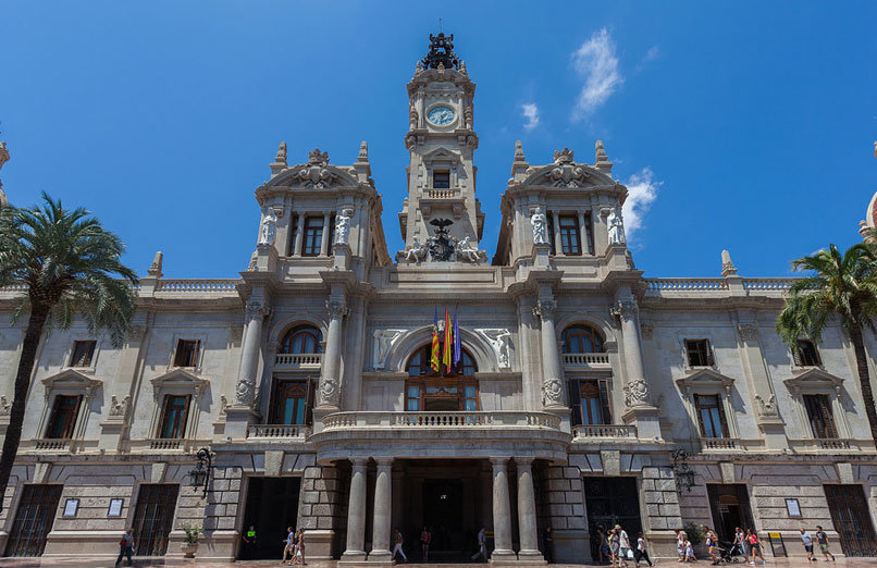 city-hall-valencia-experiences-and-gateways