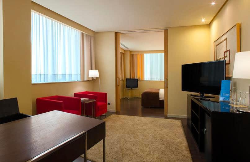 experiences-valencia-accommodation-Silken-Puerta-de-Valencia-1